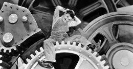 Les Temps Modernes, Charlie Chaplin, 1936 : Dans les engrenages